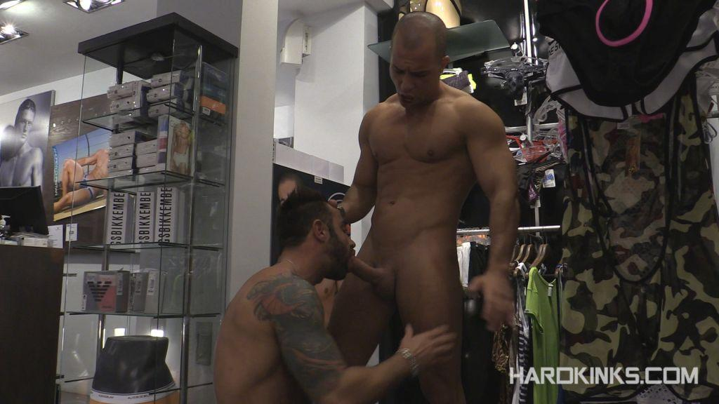 Servicing Customers - Antonio Aguilera & Martin Mazza
